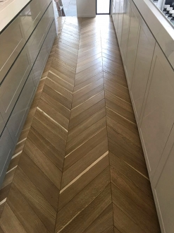 Chevron light heat treated European Oak-003