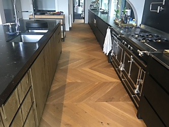 French Oak large Chevron heat treated engineered - 001