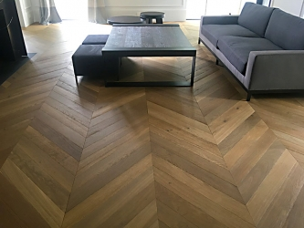 French Oak large Chevron heat treated engineered - 004