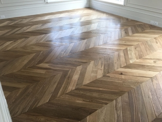 Chevron light heat treated European Oak-005